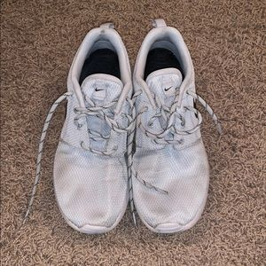 Grey Nike Rosche - Size 8.5